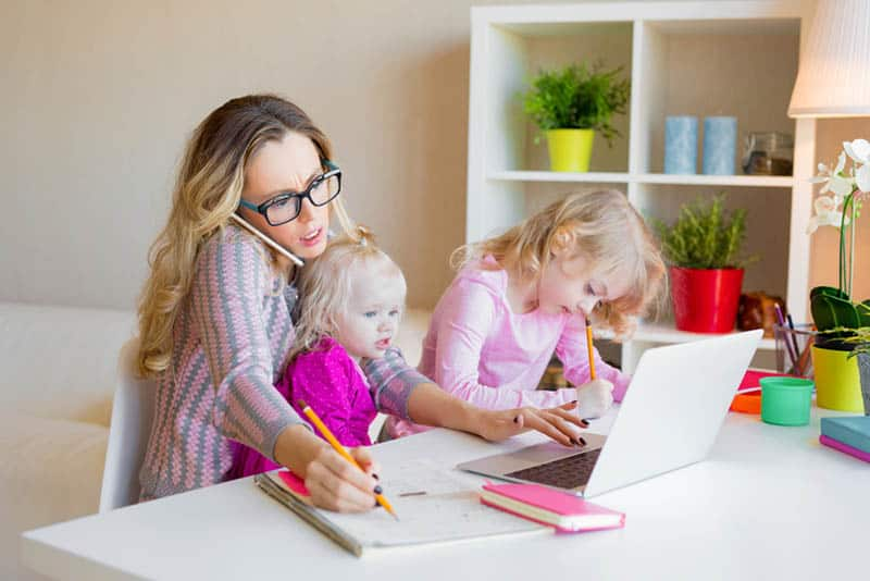 How To Afford To Be A Stay At Home Mom 18 Useful Tips