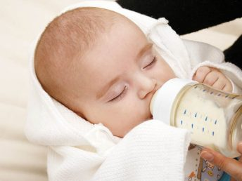 How Much Does A Newborn Eat