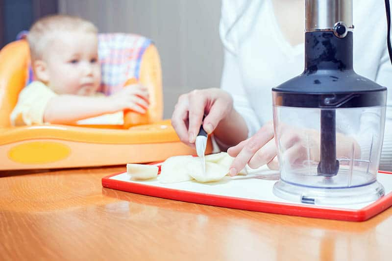 making baby food with blender