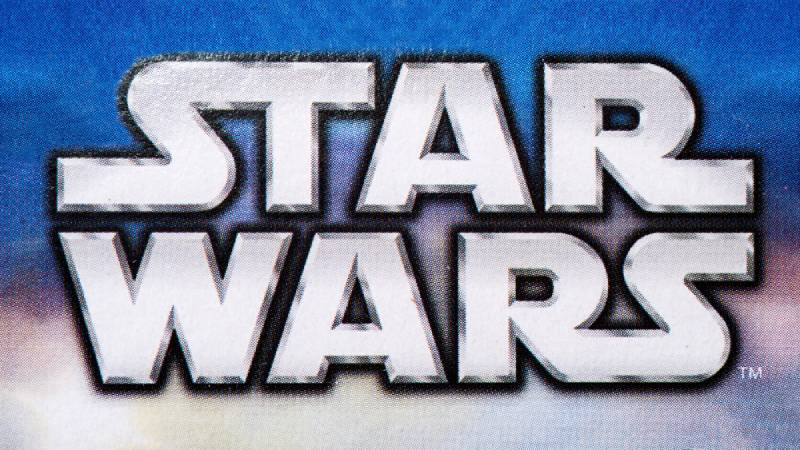 Star Wars logo - Luke and Leia