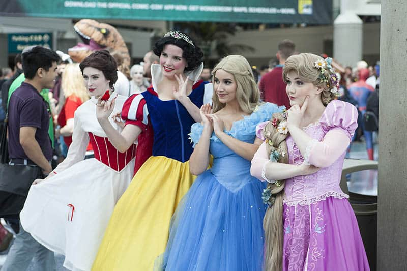 Disney princesses Cosplayers