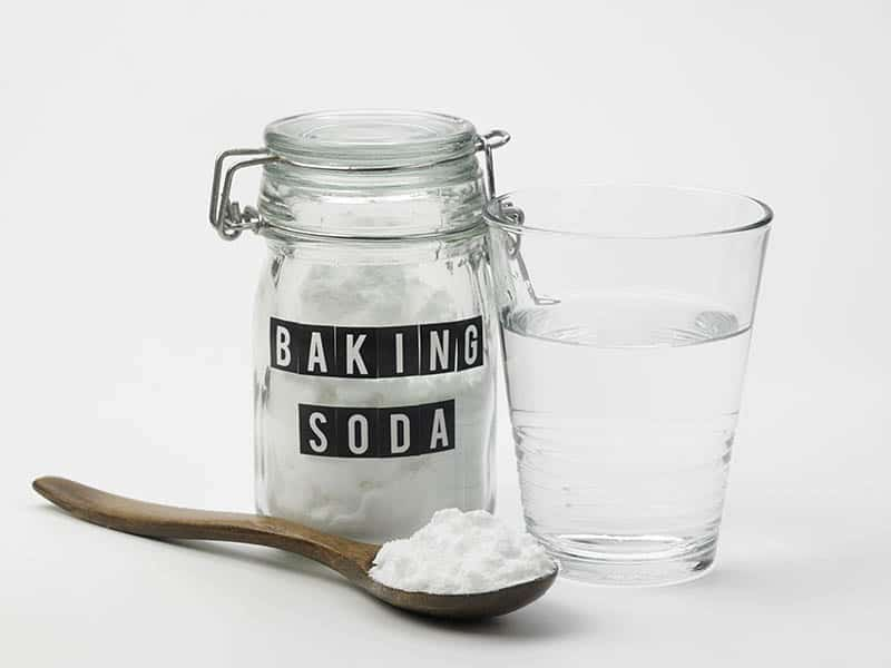baking soda and a glass of water
