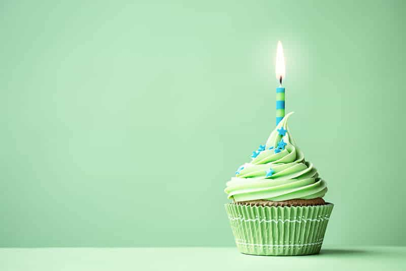 1st birthday gifts for boys green cake and candle
