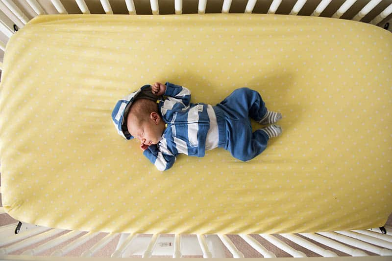 Crib Sheets: 5 Best Choices For Safe And Sound Sleep In 2021