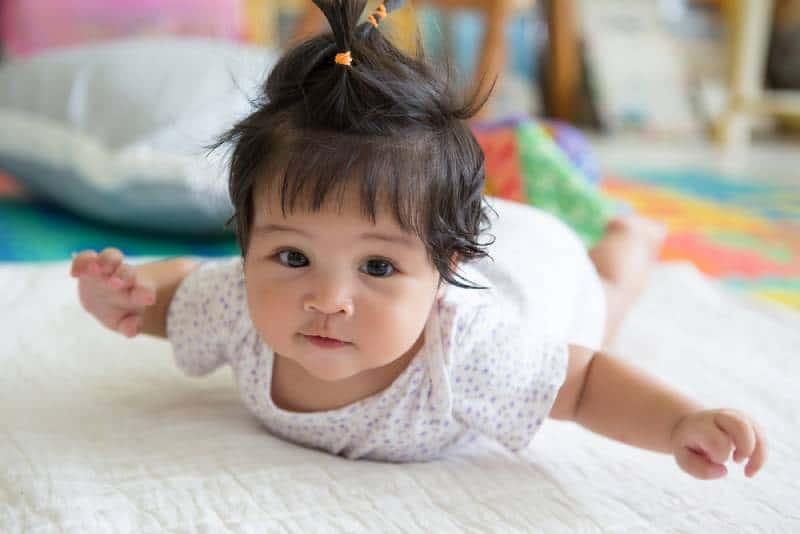 dark-haired baby girl