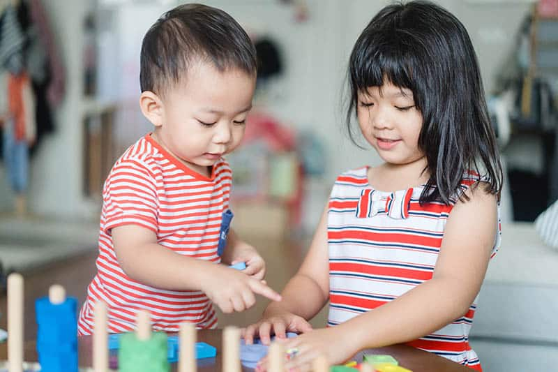 asias kids siblings playing