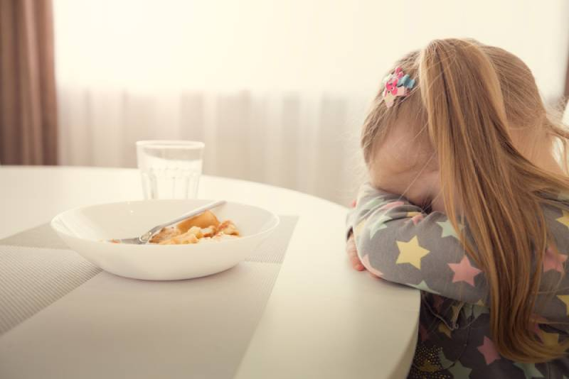 Little girl refuses to eat at home