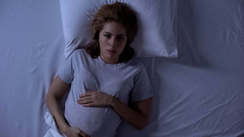 pregnant woman having pregnancy insomnia