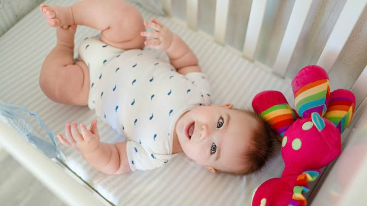 How To Clean A Bassinet In 7 Steps (Cleaning Supplies Included)