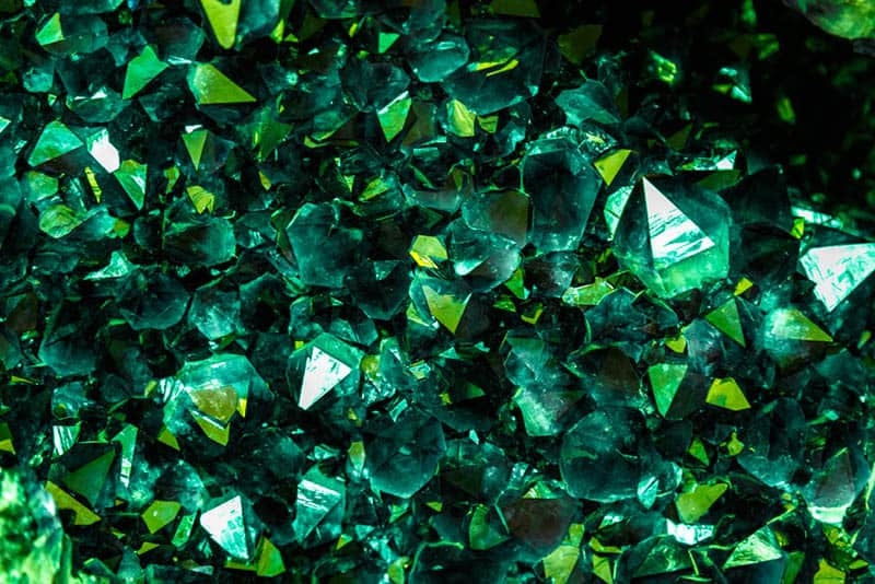 emerald mineral crystals in the natural environment