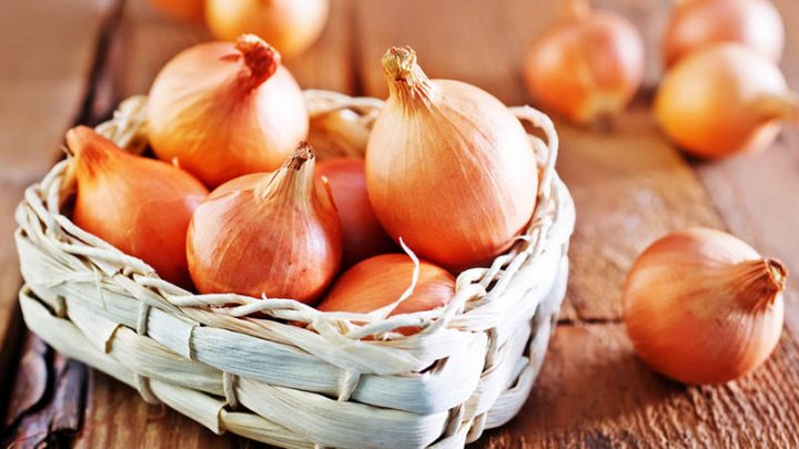 Benefits And Risks Of Eating Onion During Pregnancy – Is It Safe?